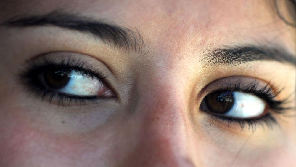 nice eye by gun art photoshoot