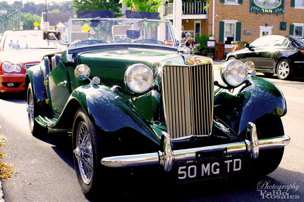 Photo in Vehicle #mg #morgans #garage #green #antique #vintage #rag top #classic #convertible #drop top #roadster #chrome