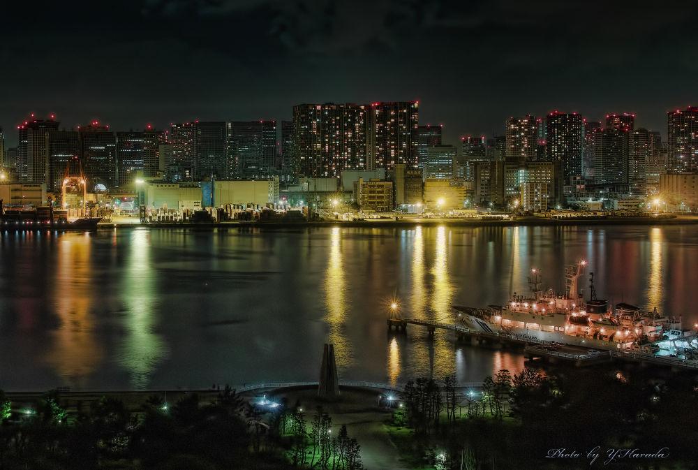 Wharf by Yuichi Harada