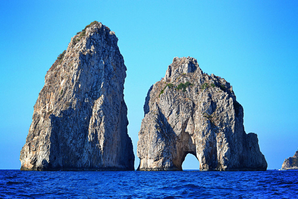 Faraglioni - Capri by Jimmy Duarte