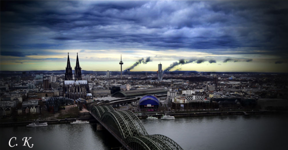 Kölner-Skyline by christiankoloska
