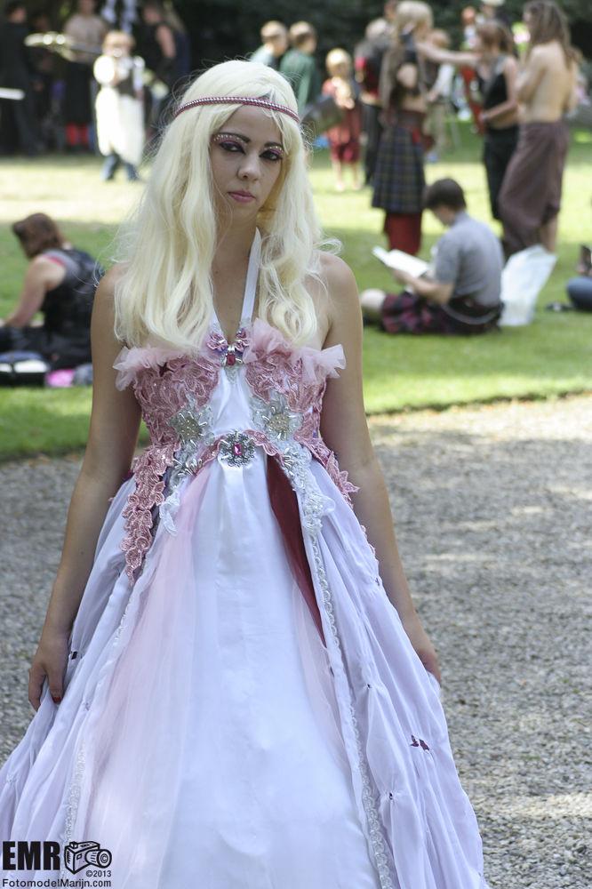 www.fotomodelmarijn.com jurk by EMR Photography & Fotomodel Marijn