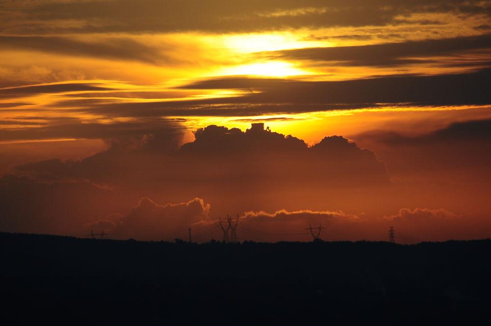sunset mystery of ungaran by REOG BIYAN
