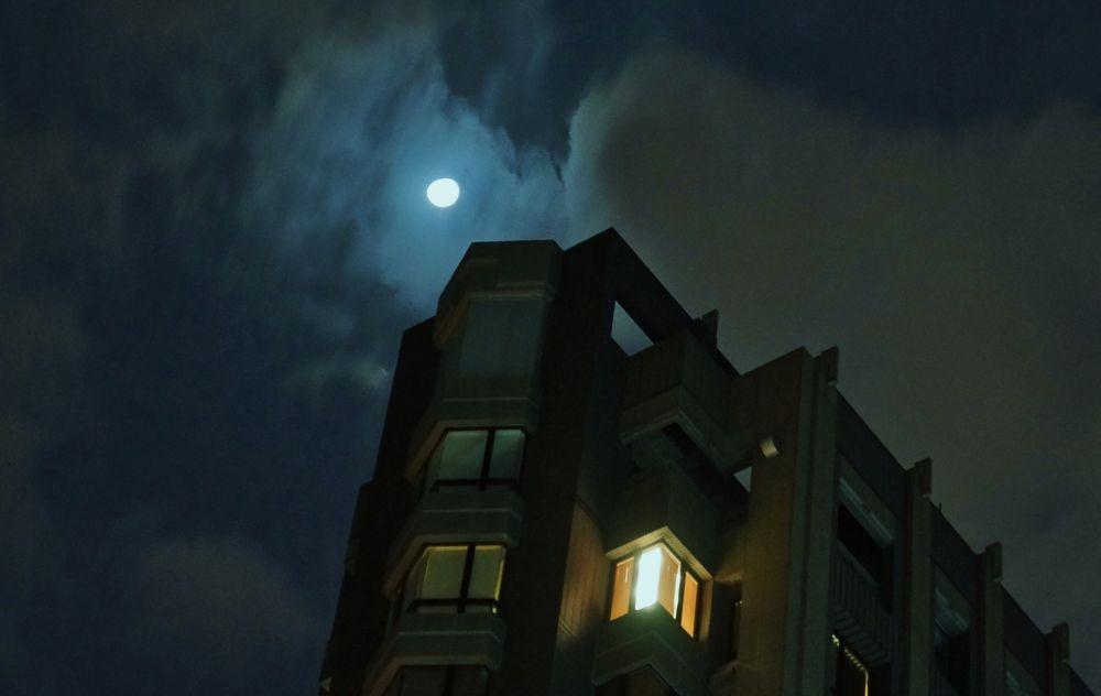 One October Night in Taipei by yunpunghsu