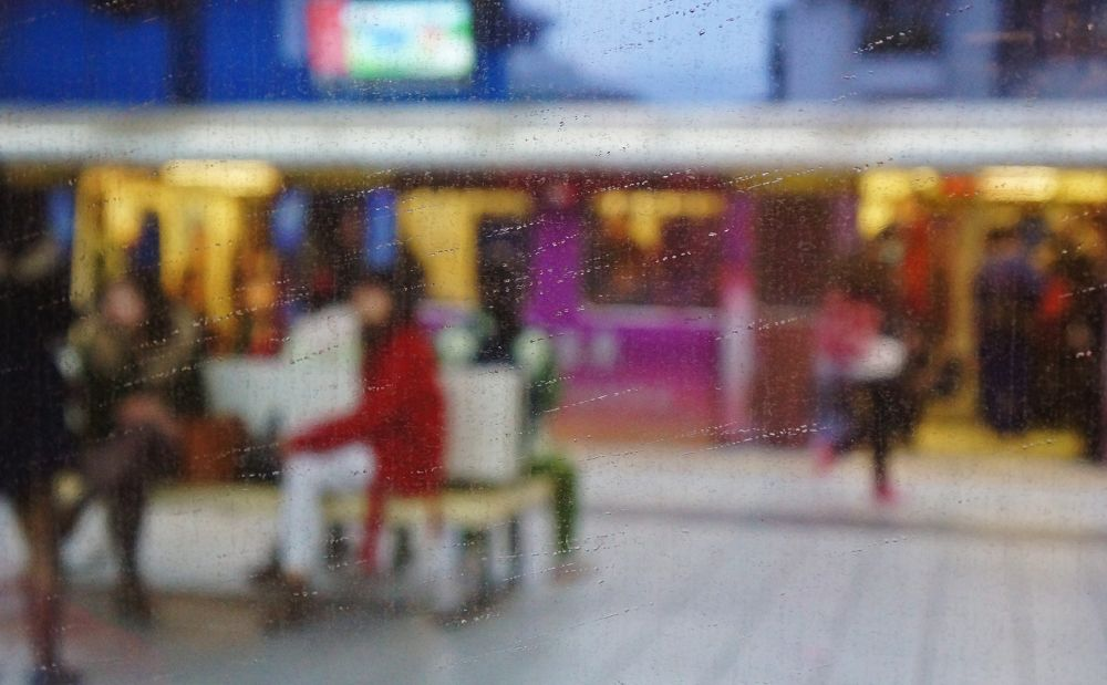 Rainy day in Taipei MRT  DSC09551 by yunpunghsu