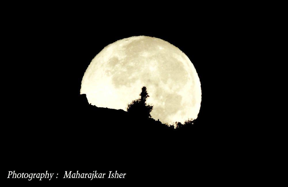 DSCN6841 - Copy Moon & Mountain by maharajkar.isher