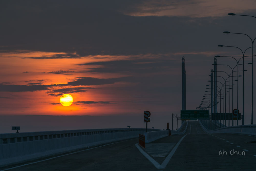 Sunrise by catkchun