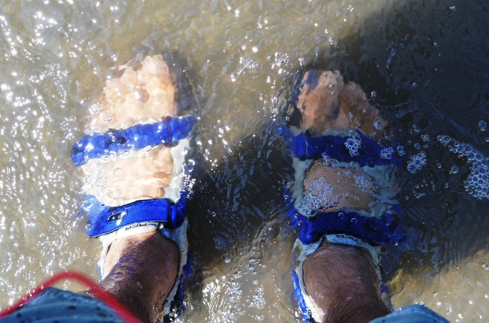 Feet in the Pacific by electricwarrior