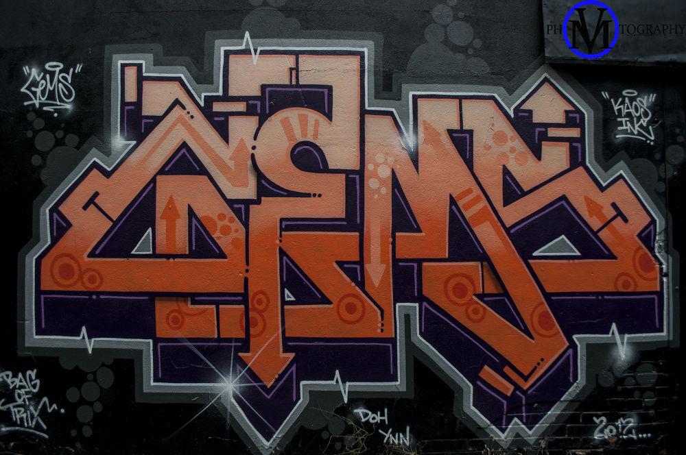 Graffiti Alley by Vinoe Milan