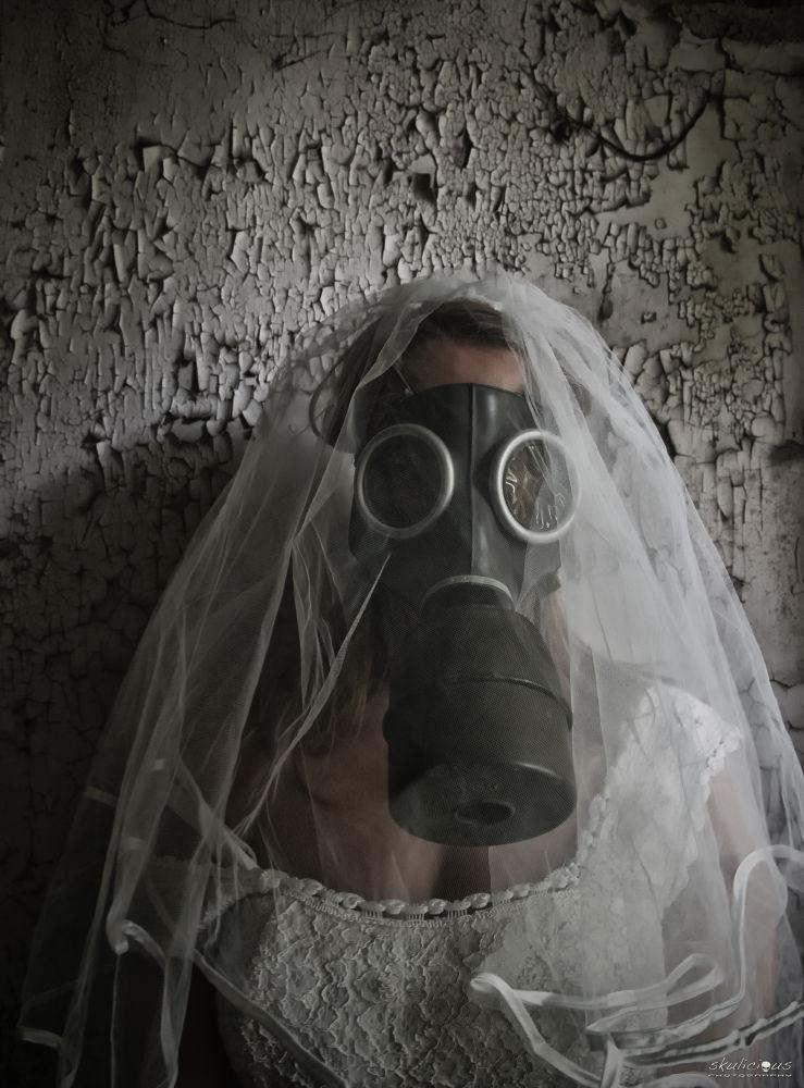 Bride of the apocalypse... by Skulicious