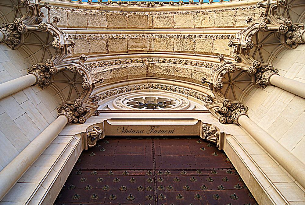 Puerta en Cuenca by vivianafaraoni