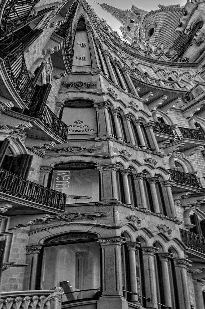 Edificio Barcelona by josepmariacollstrullen
