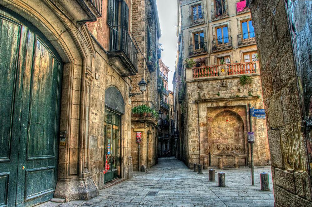 Casco antiguo de Barcelona by josepmariacollstrullen