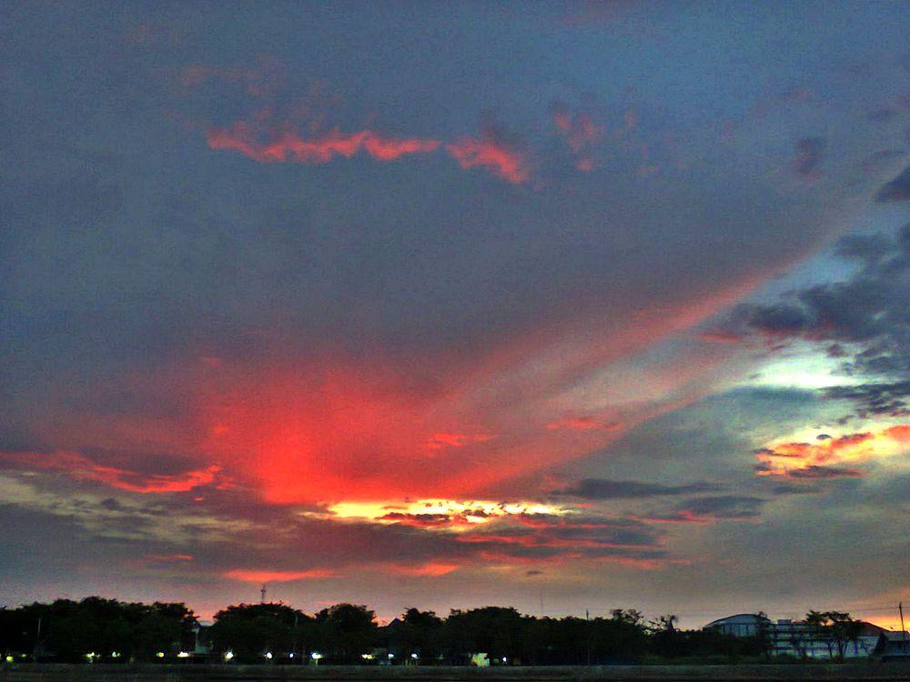 red twilight by suhartono