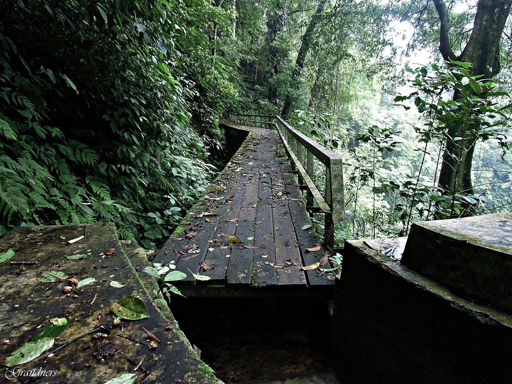 Wooden Bridge by suhartono