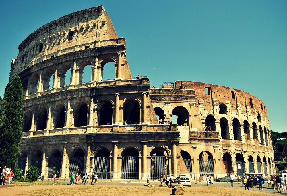 koloseum in roma  by nikolet Baňáková