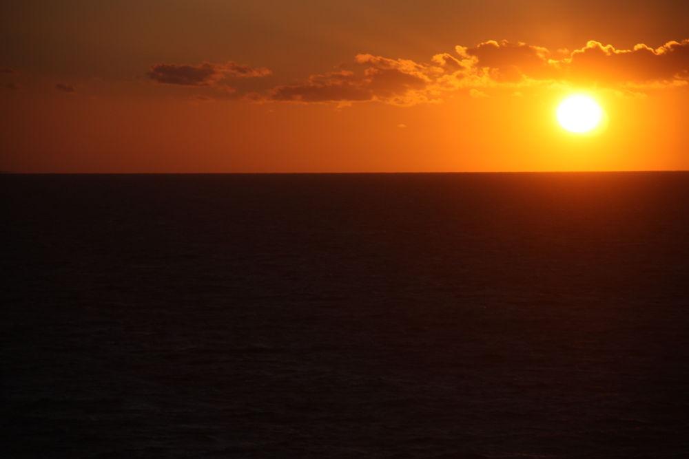 sun set from kiel ferry. by jonandersen71