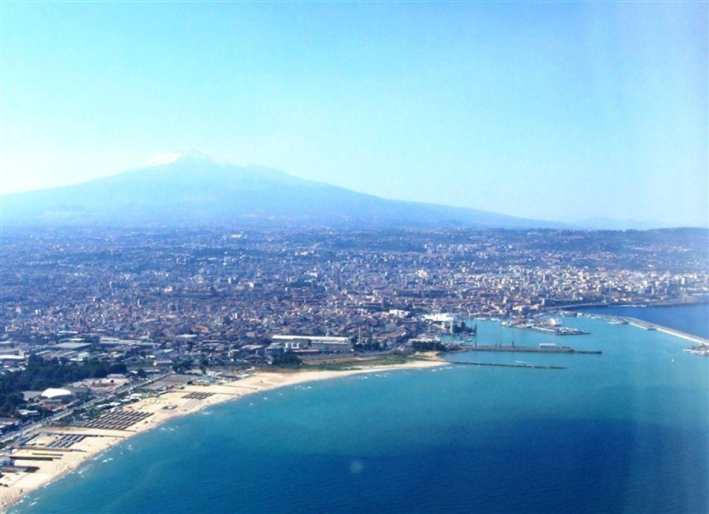 Catania-Etna-Sicilia-Italy-Castielli_CC0_HQ1 by crazyduck