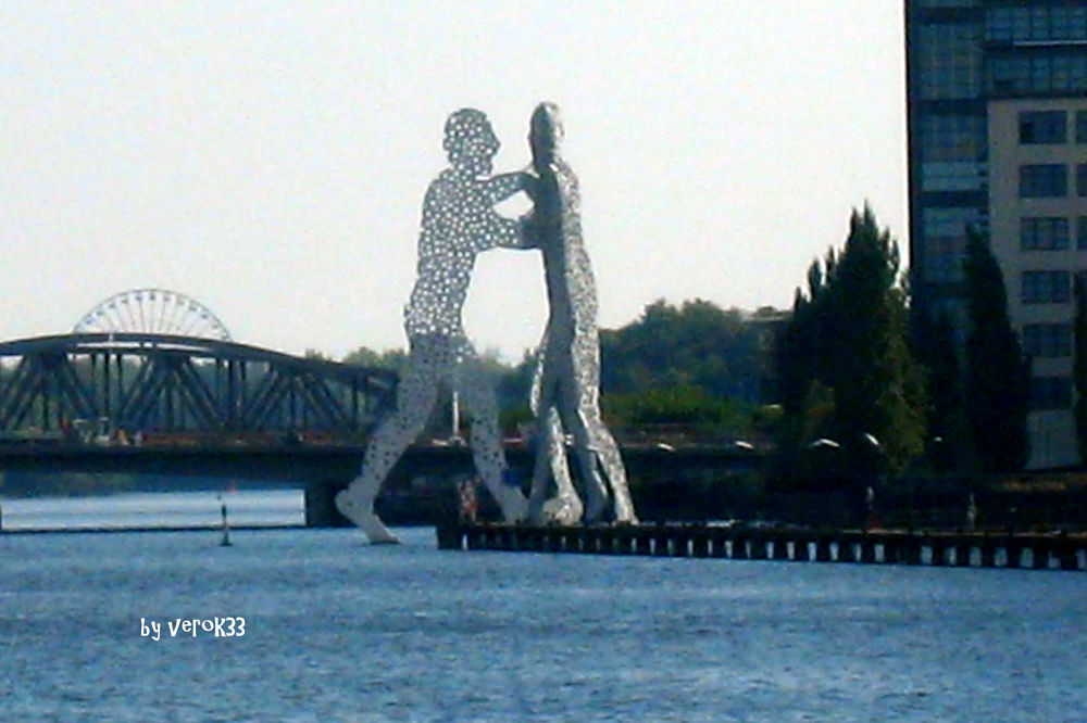 Sculpture, Berlin by verok33