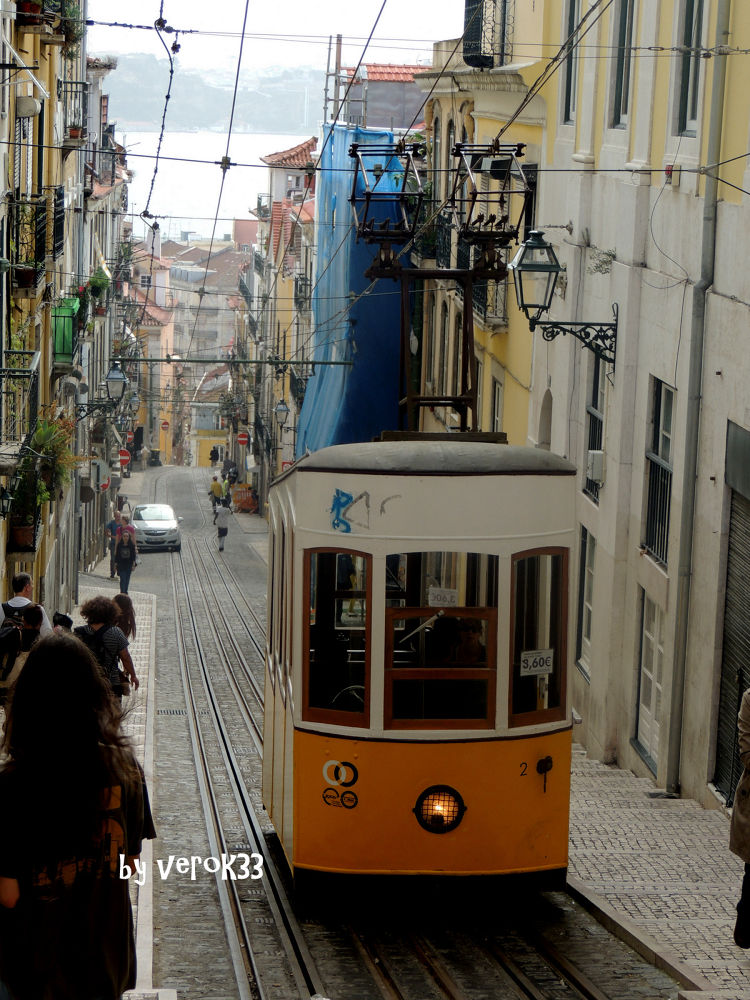 Tramway in Lisboa by verok33