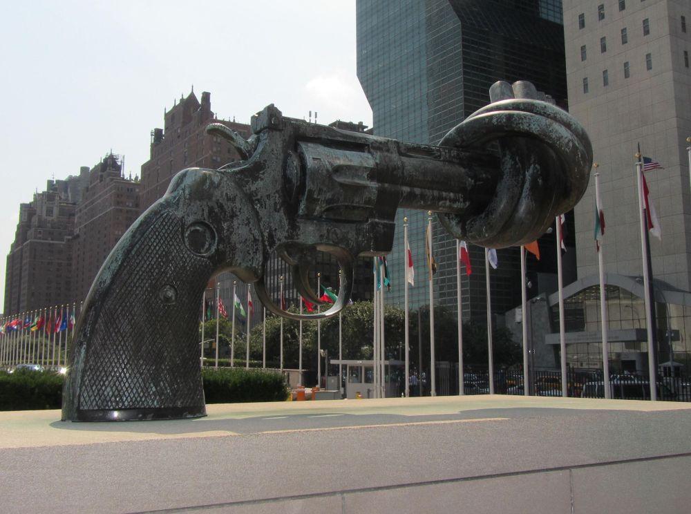 UN by pedrosa