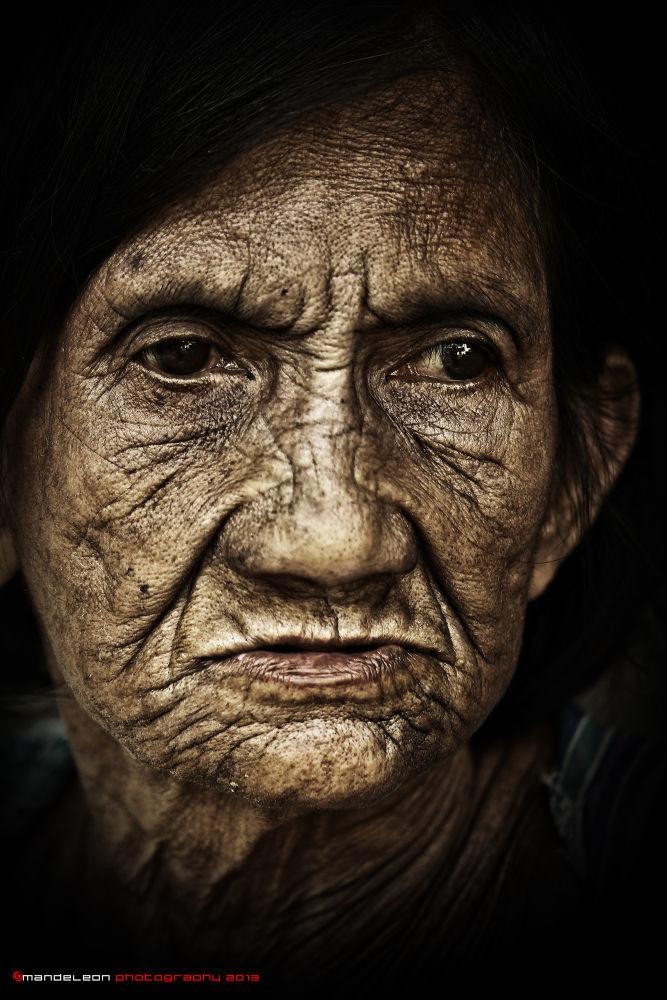 Old Lady by emandeleon12
