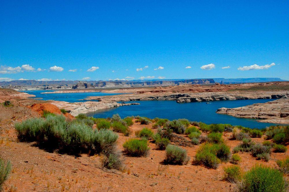 Lake Powel, Glen Canyon, Arizona (1) by Yulius