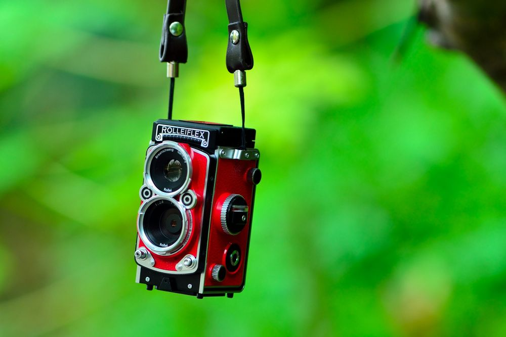 Hanged Rollei by Yulius