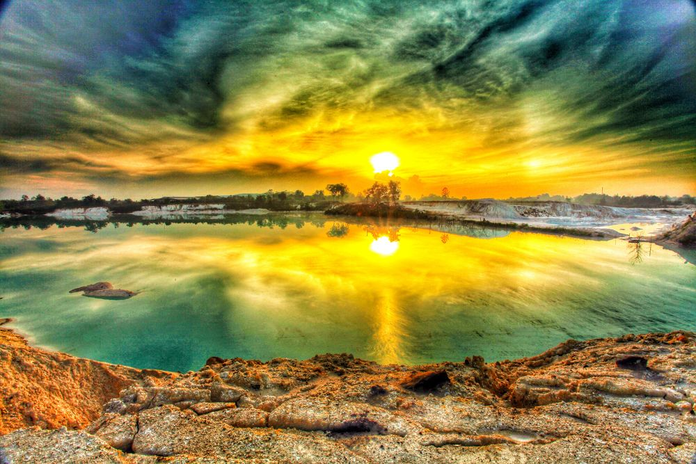 Sunrise at Koalin lake by liongcewong