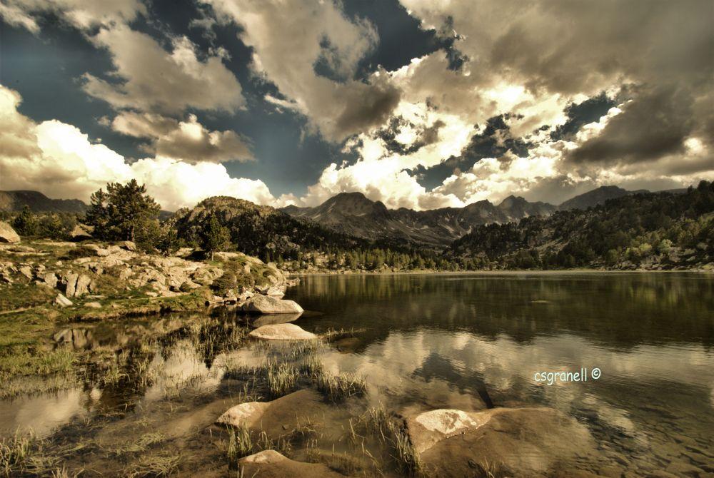 Photo in Landscape #csgranell #llac de pessons #principat d´andorra #principado de andorra #grau roig #encamp #llac #lago #cielo #nubes #montaña #naturaleza #reflejos