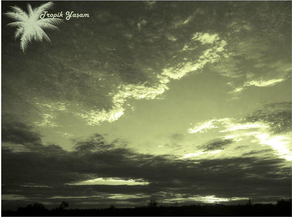 sunset B by tropikyasam