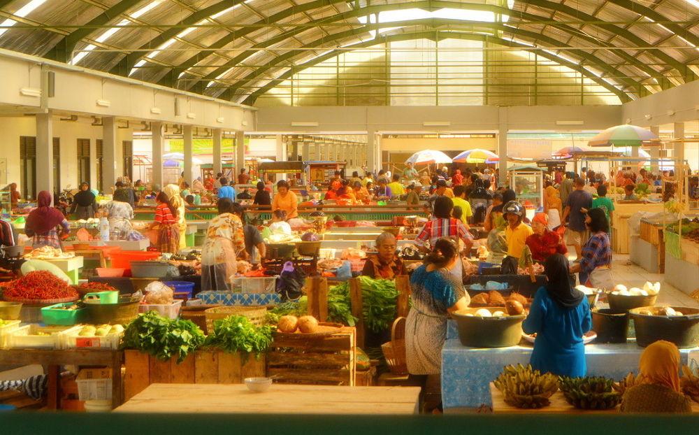 pasar tradisional by Andi kho