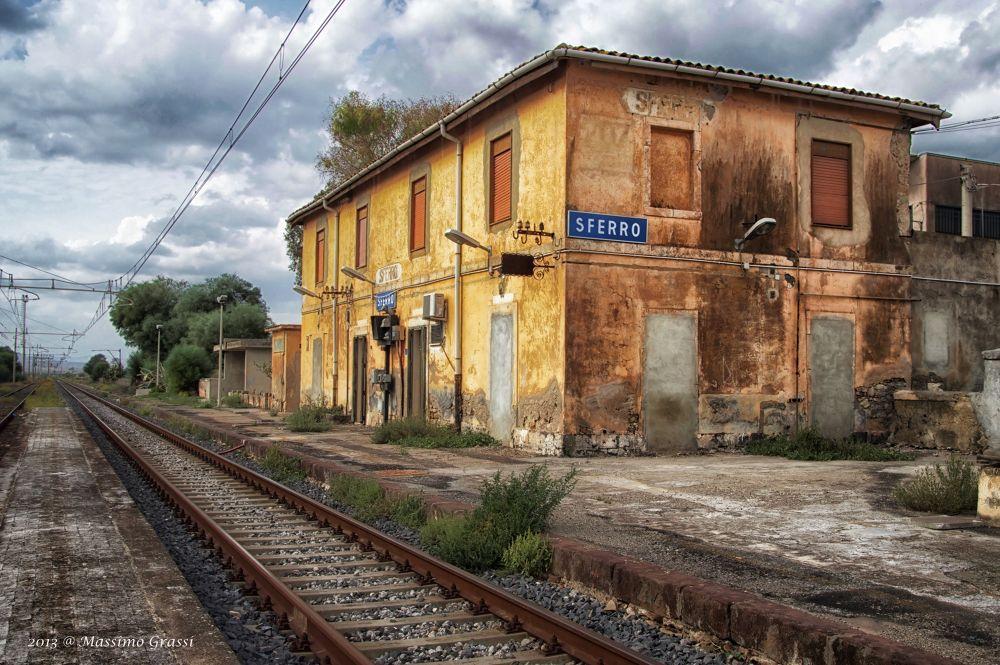 Vecchia stazione di Sferro by maxgrassi71