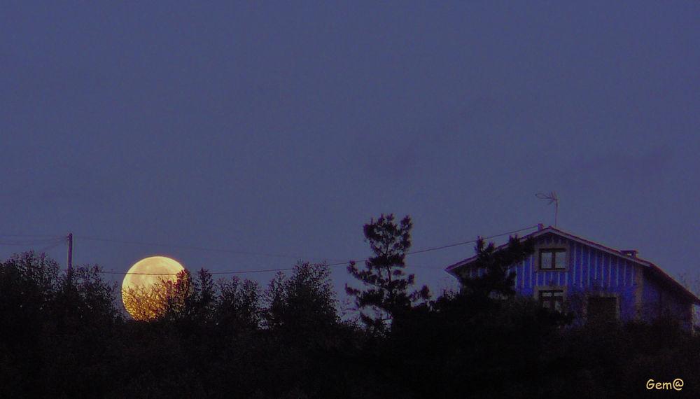The moon by Gema González