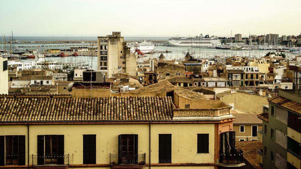 Desde los tejados de Mallorca by Maksims Novikovs