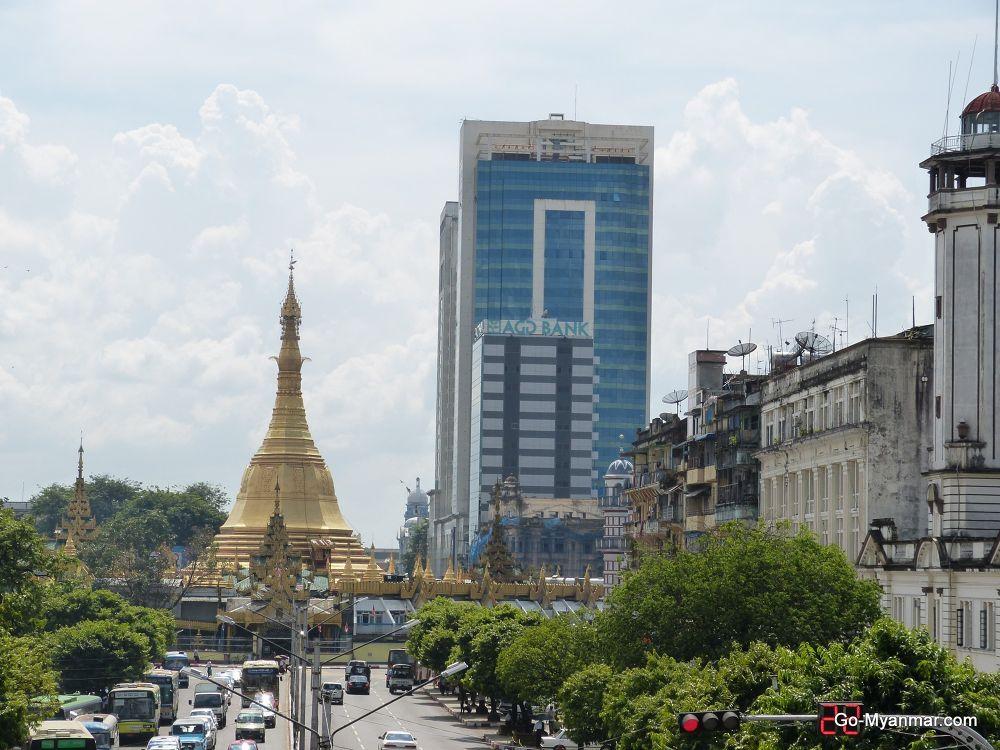 Sule Pagoda Road, Yangon by Go-Myanmar.com
