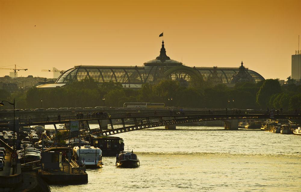 Paris by jozseftoth