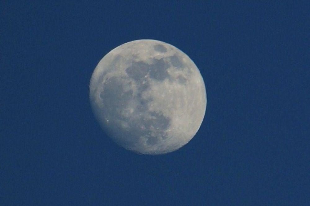 lune by lisecyr