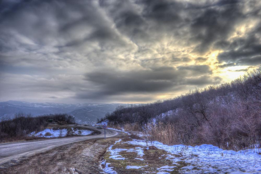 Ismayilli road nek by Faik Nagiyev