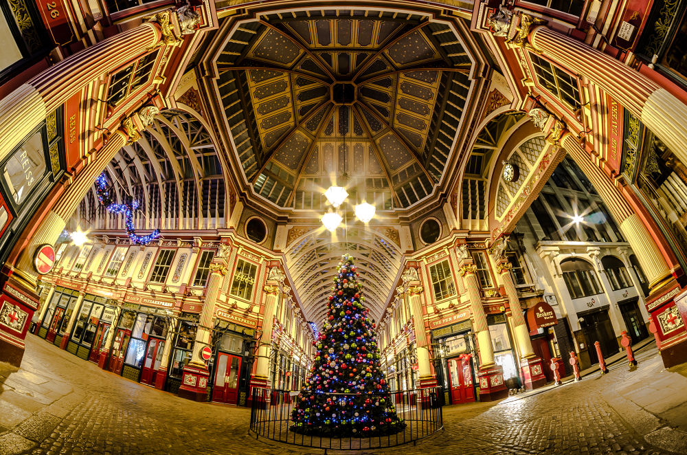 Christmas at Leadenhall market by Scott baldock