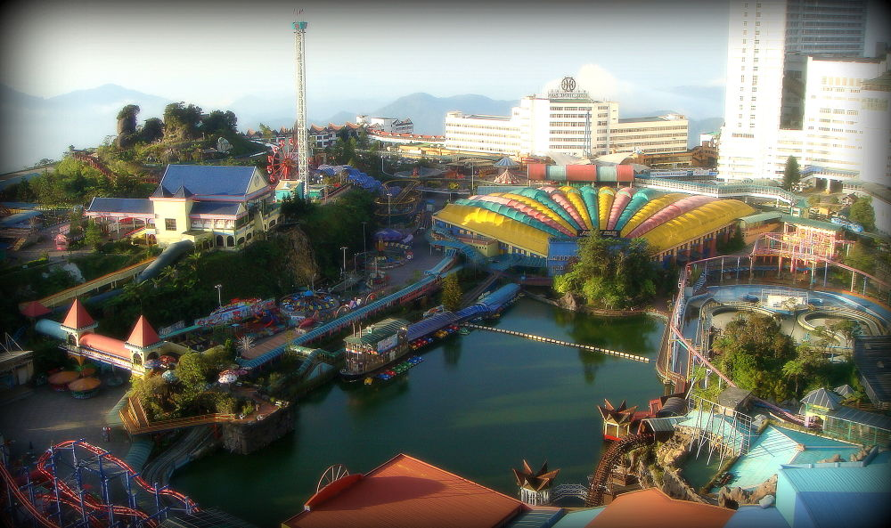 Genting theme park. by saharajib