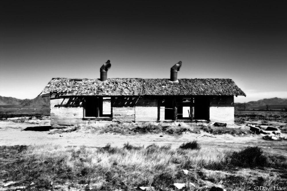 Photo in Architecture #shack #apple valley #california #america #american #usa #dave hare #desert #remote #derelict #ruin #ruined #lonely