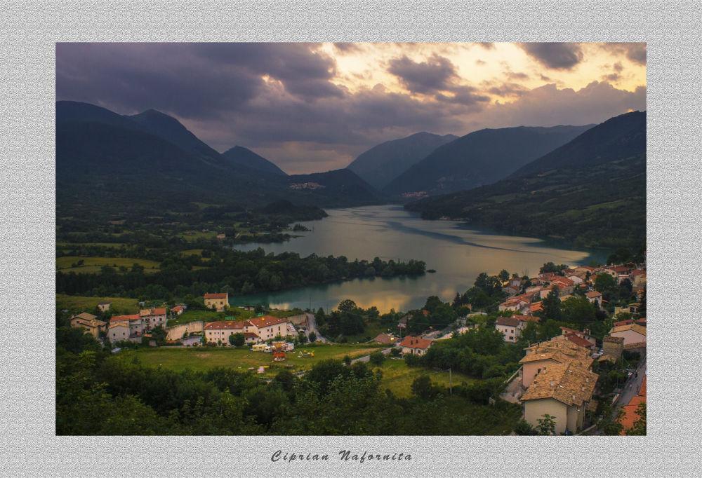 Lago di Barrea  by Ciprian Nafornita