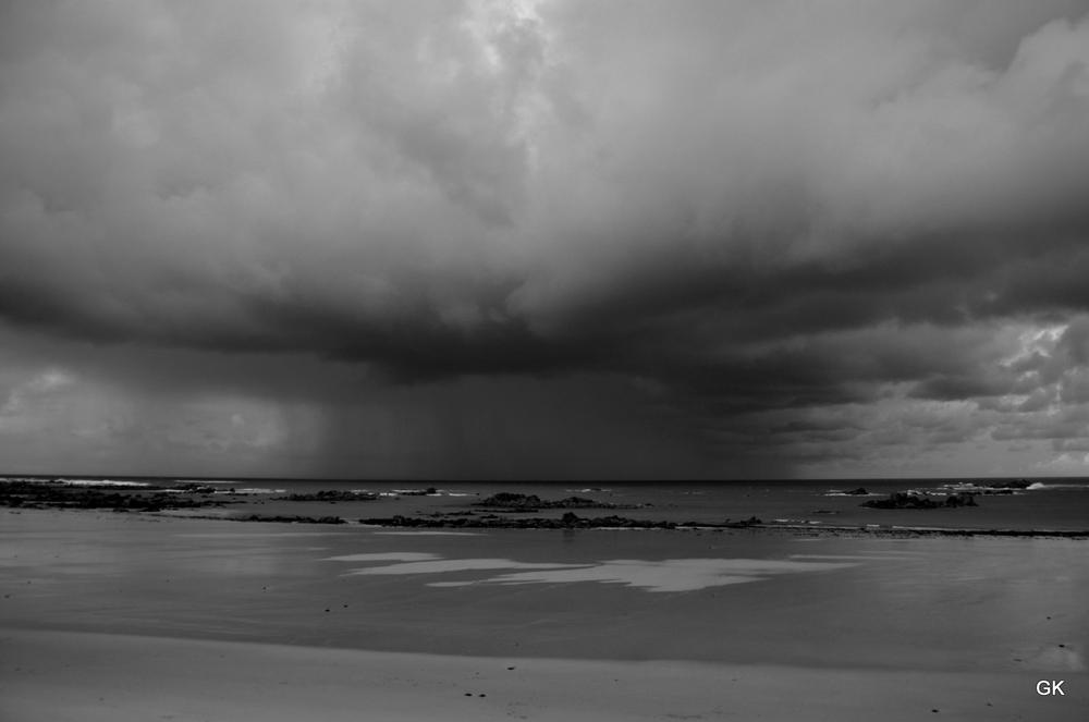 At the beach - Bretagne by Geneviève Karlsson
