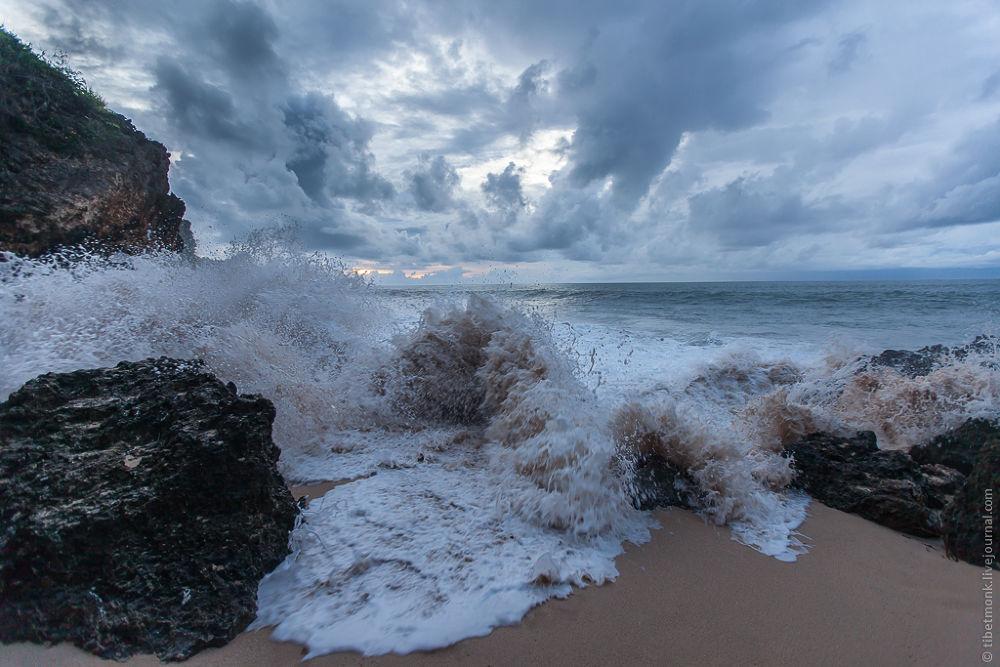 Bali Sea by tibetmonk