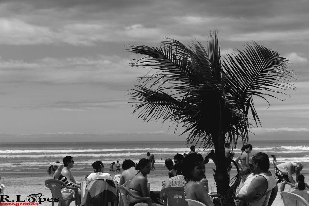 Praia em preto e branco by Robson