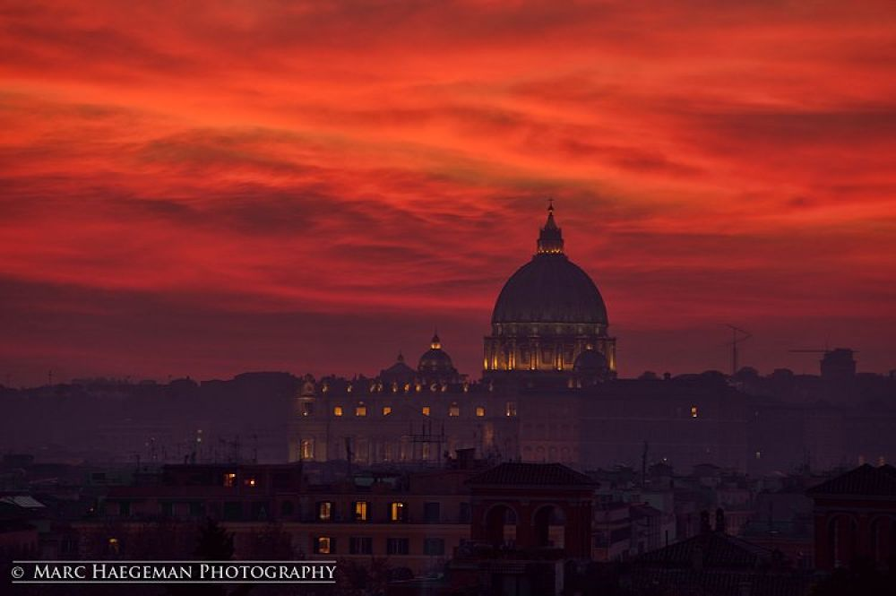 Red sky at night... by marc haegeman