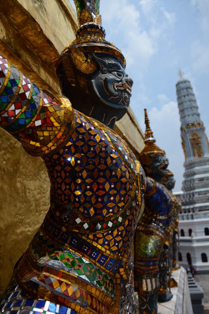 patung di thailand grand palace by wiwitsriwahyuni