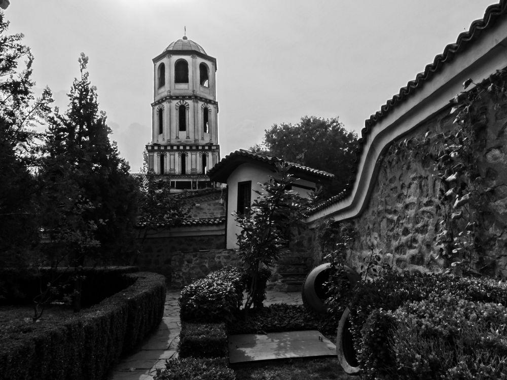 Plovdiv, the old town by Dimitar Balyamski