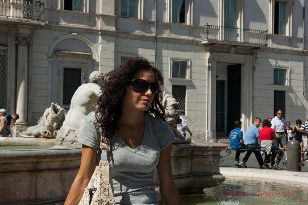 Girl on Piazza Navona by Pawel Gerula